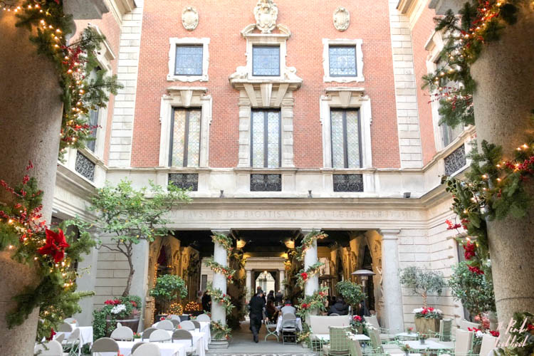 Christmas Milan Christmas Courtyard