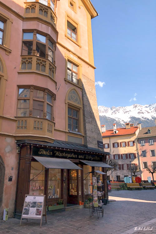 Innsbruck Mini Travel Guide - All You Need for a Weekend in the Alps Old Shop Mountain View