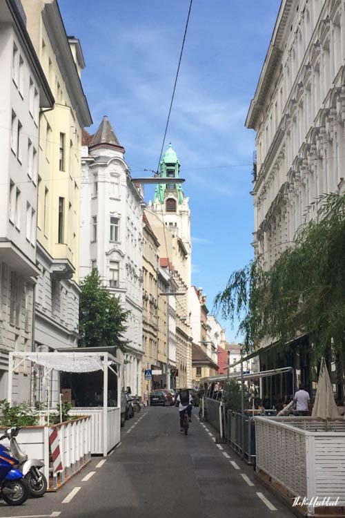 Vienna off the beaten tracks Neubau Schanigarten