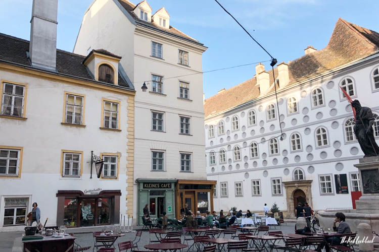 Vienna Spring Kleines Cafe