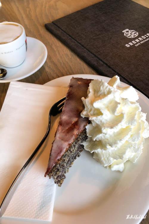 Burg Forchtenstein Restaurant Grenadier Cake