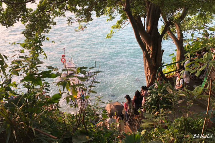 The Most Instagramable Places in Hong Kong and if They Are Worth Visiting Sai Wan Swimming Shed Crowds