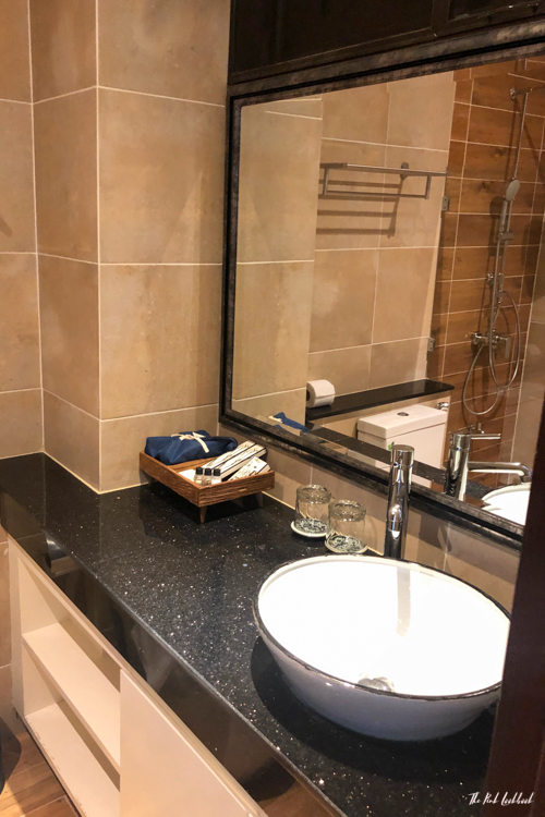 Personal Hotel Review Phor Liang Meun Terracotta Arts Hotel Chiang Mai Bathroom