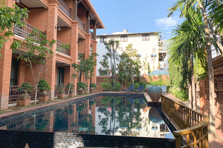 Personal Hotel Review Phor Liang Meun Terracotta Arts Hotel Chiang Mai Pool
