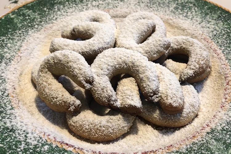 Baking with Oma Mitzi Episode 14 Vanillekipferl