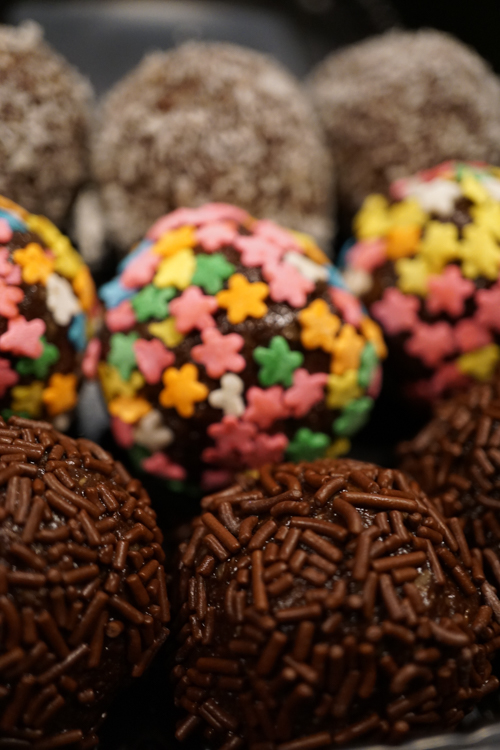 A Third Culture Kid with a Passion for Swedish Chocolate Balls Interview with Alaine Handa Chokladbollar with Stars