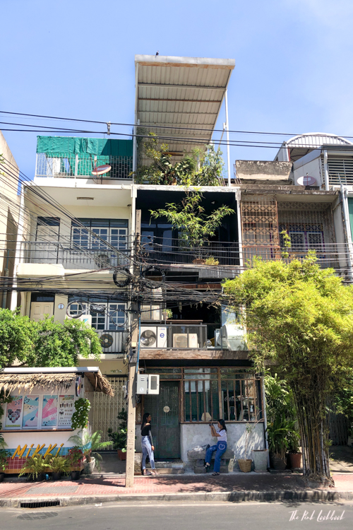 Exploring Bangkoks Neighbourhoods A Walk in Ari Main Road Building